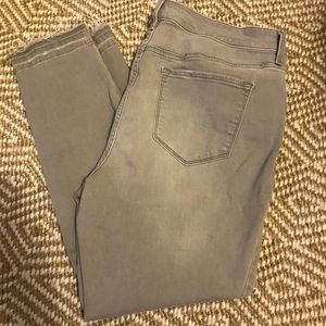 Old Navy gray skinny jeans size 16